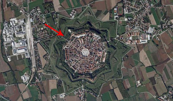Essa cidade na Itália não parece nada especial... até você vê-la por ...