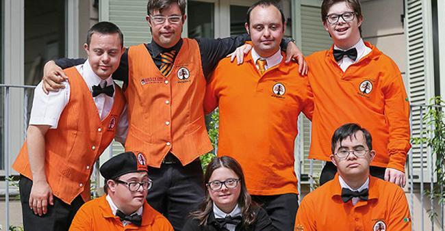 Incrível! Jovens com Síndrome de Down gerenciam um hotel inteiro ...