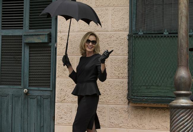 11 razões para nunca mexer com uma mulher que só usa roupa preta