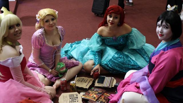 Quem disse que as princesas Disney não sentem fome?