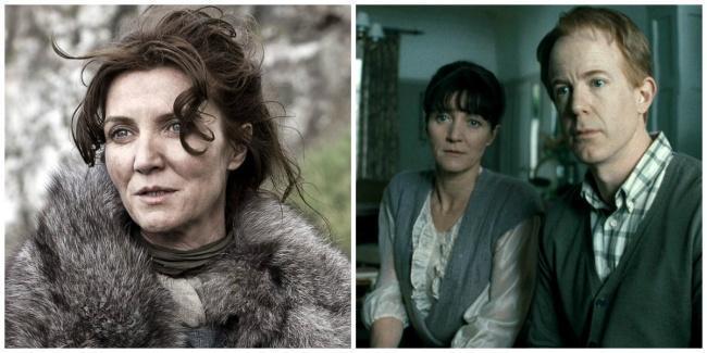 Catelyn Stark e ao lado a mãe de Hermione junto ao pai de Hermione