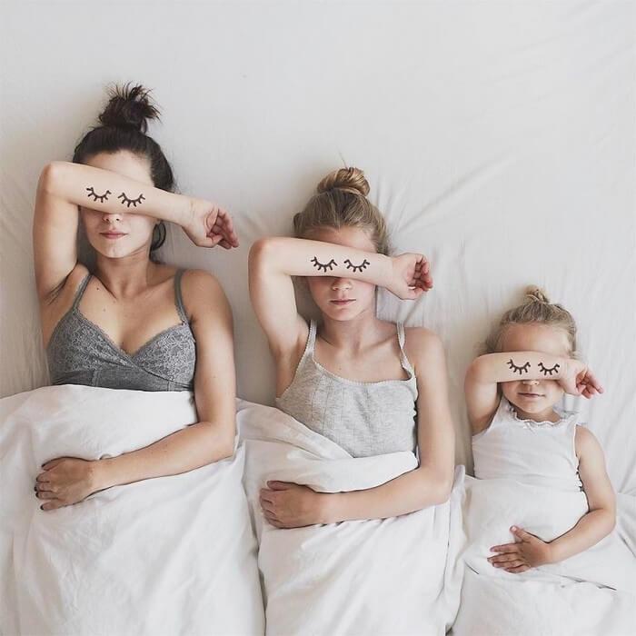 Mãe e filhas em fotos divertidas (6)