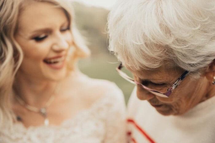 Noiva faz surpresa para avó (3)