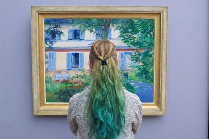 Pessoas combinam quadro museu (19)