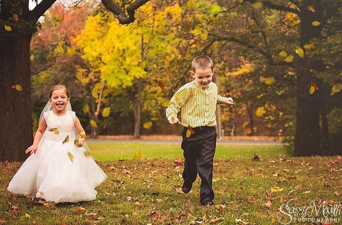 Para ajudar na cirurgia, criança de 5 anos se casa com seu melhor amigo 5