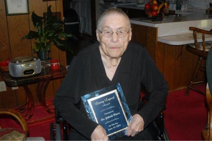 idoso com mais de 100 anos (9)