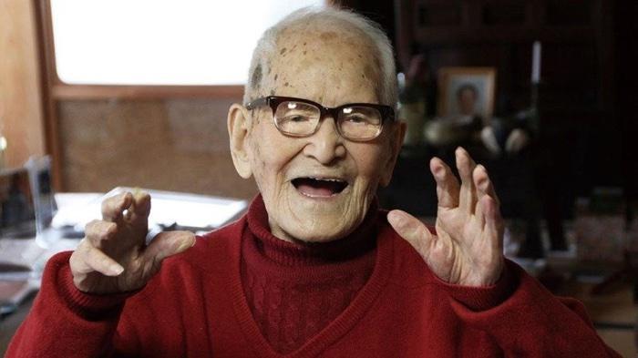 idoso com mais de 100 anos (7)