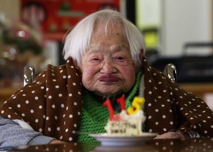idoso com mais de 100 anos (4)