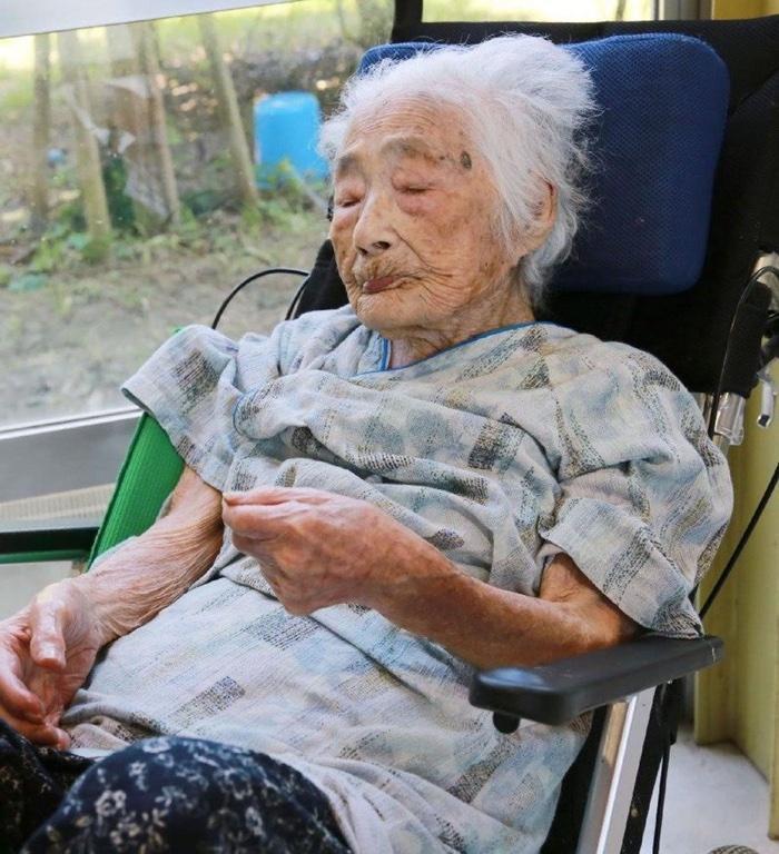 idoso com mais de 100 anos (3)