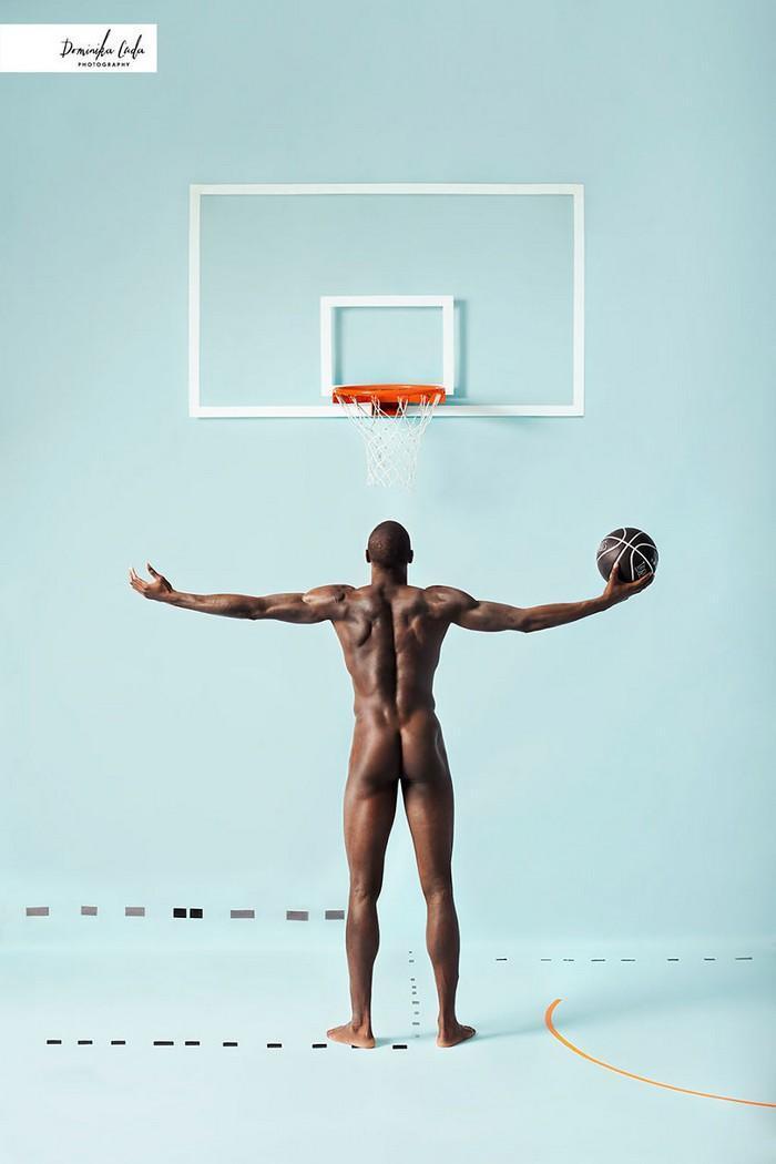 Calendário de caridade com atletas nus (22)