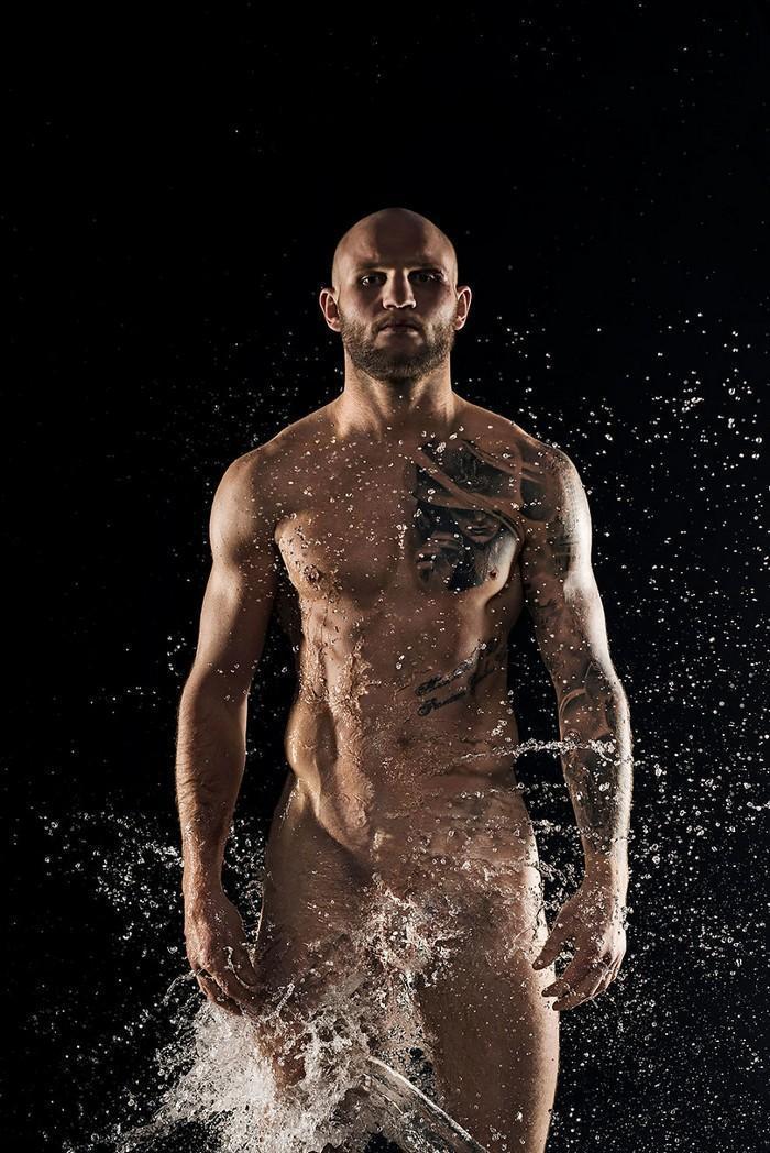 Calendário de caridade com atletas nus (26)