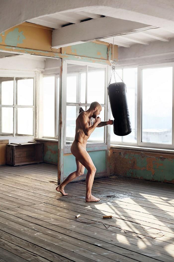 Calendário de caridade com atletas nus (25)