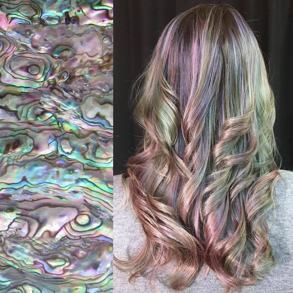 Artista se inspira em imagens fantásticas para mudar a cor do cabelo 13