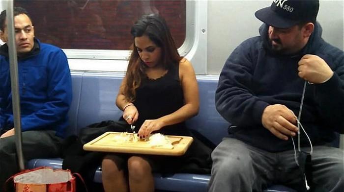 momentos engraçados no metrô (26)