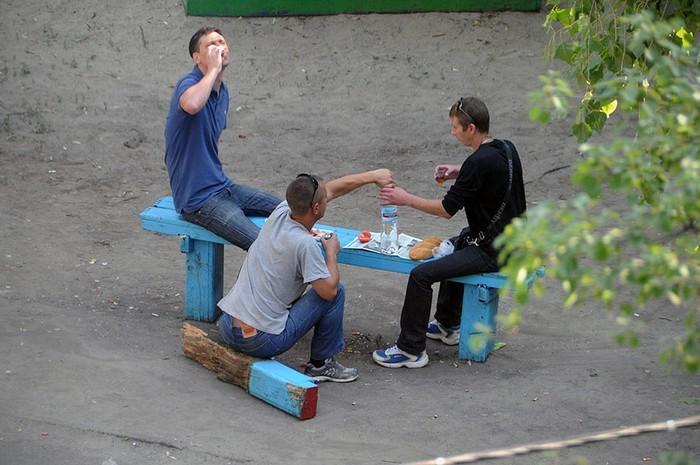 fotógrafo registra o mesmo banco de parque há dez anos (2)