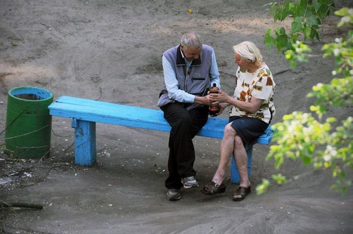 fotógrafo registra o mesmo banco de parque há dez anos (13)