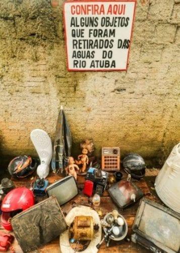 Morador cria barreira flutuante para despoluir rio Atuba no Paraná (3)