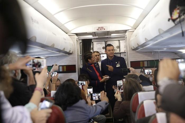 Papa Francisco celebra casamento durante voo (1)