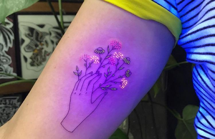 Tatuagem UV por Tukoi Oya (1)