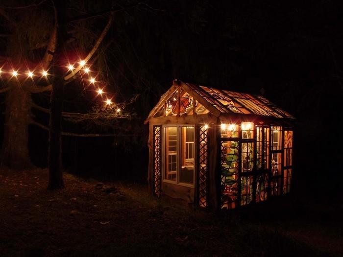 Cabana de vitral escondida na floresta (3)
