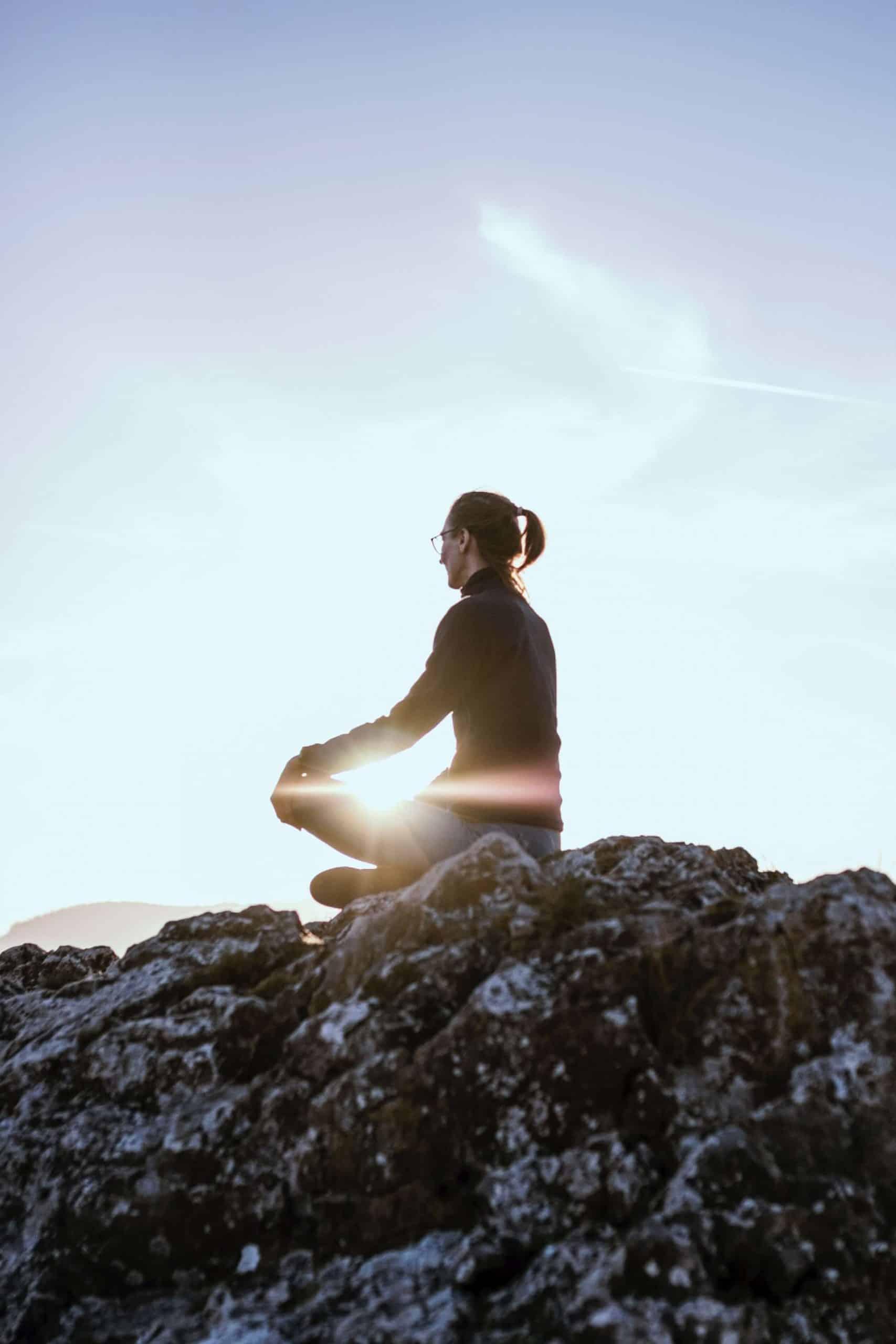20 razões científicas para você começar a MEDITAR hoje