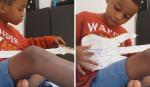 Garoto que viralizou com contrabaixo de papelão recebe presente incrível