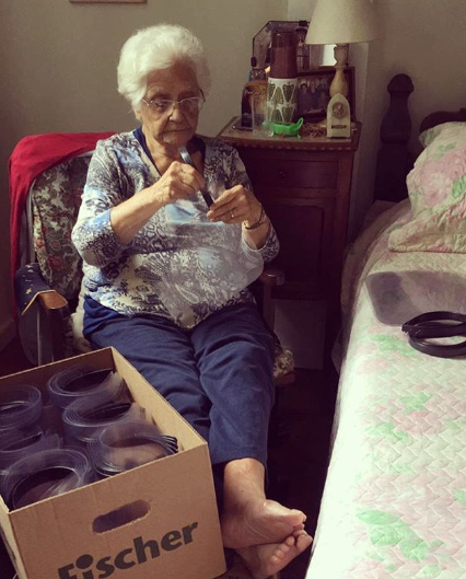 mulher-que-ajudou-na-segunda-guerra-ajuda-contra-o-coronavirus