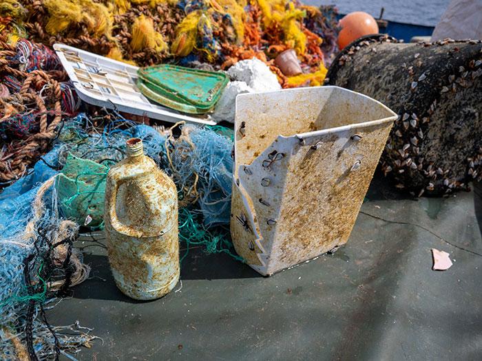 lixos-coletados-no-oceano-pacifico