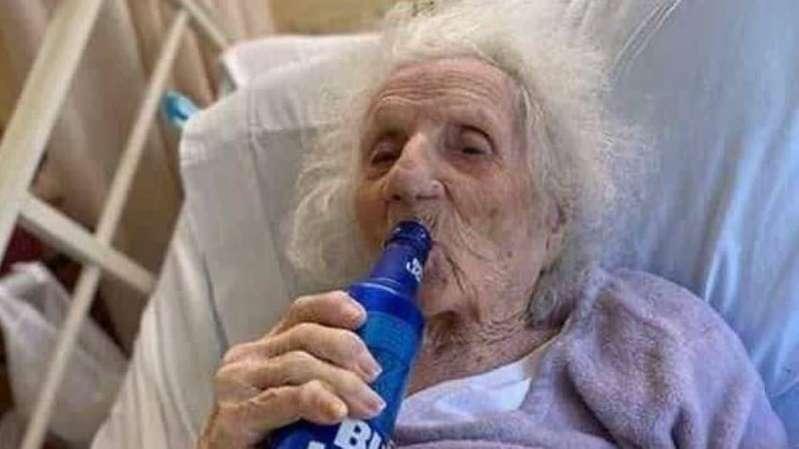 idosa-curada-do-covid-bebe-cerveja