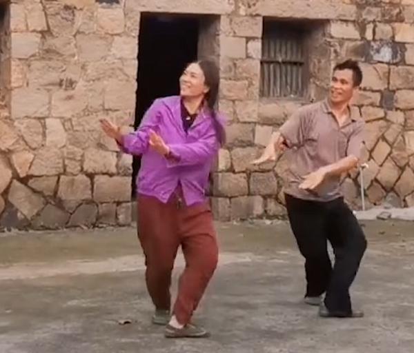 casal-cria-dança-para-acabar-com-a-depressao