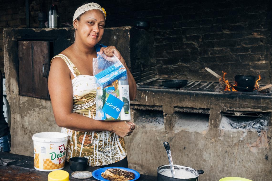 imigrantes-recebem-kits-de-higiene-da-unicef