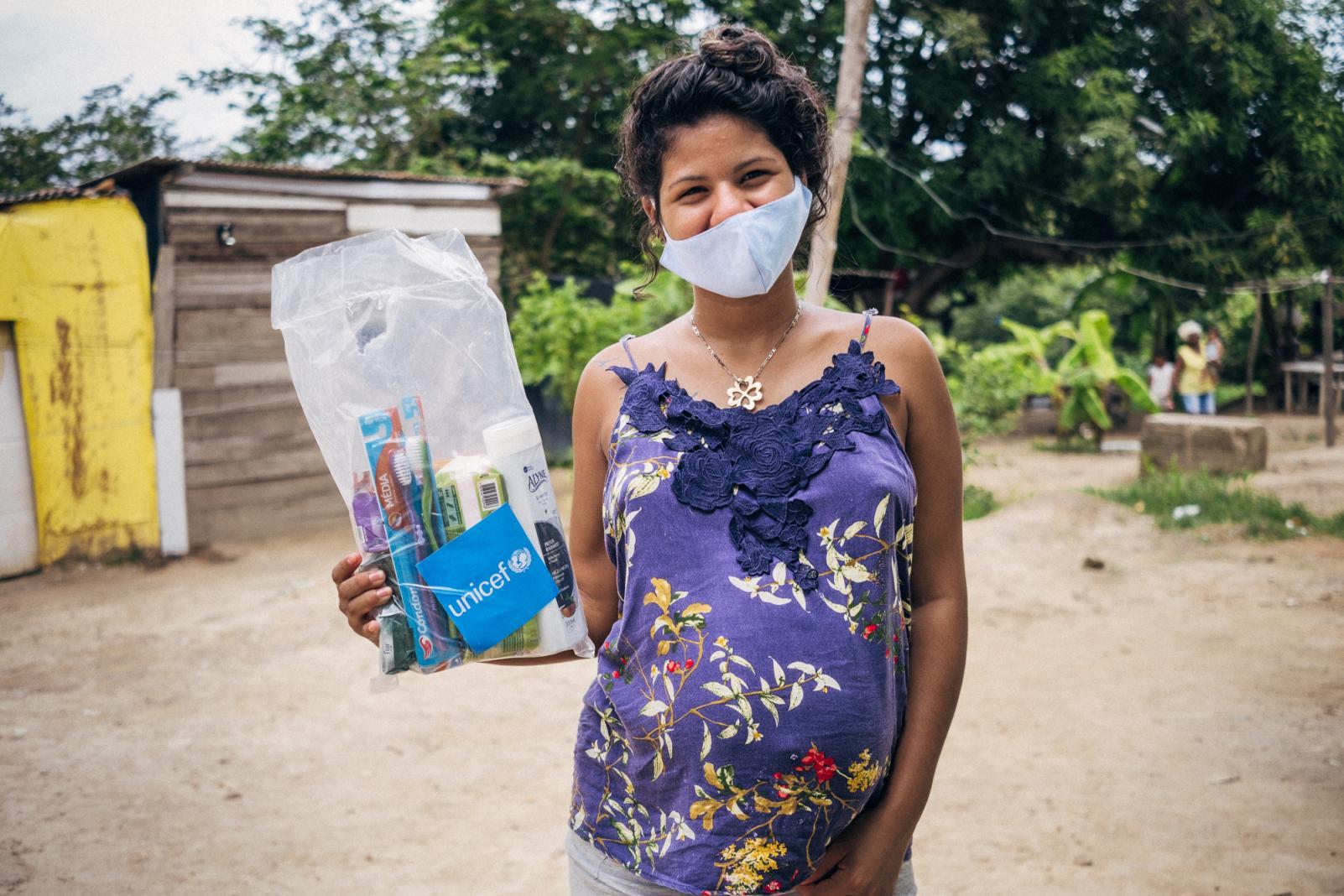imigrantes-recebem-kits-da-unicef