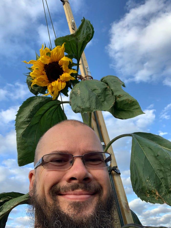 pai-planta-girassol-gigante-para-filho