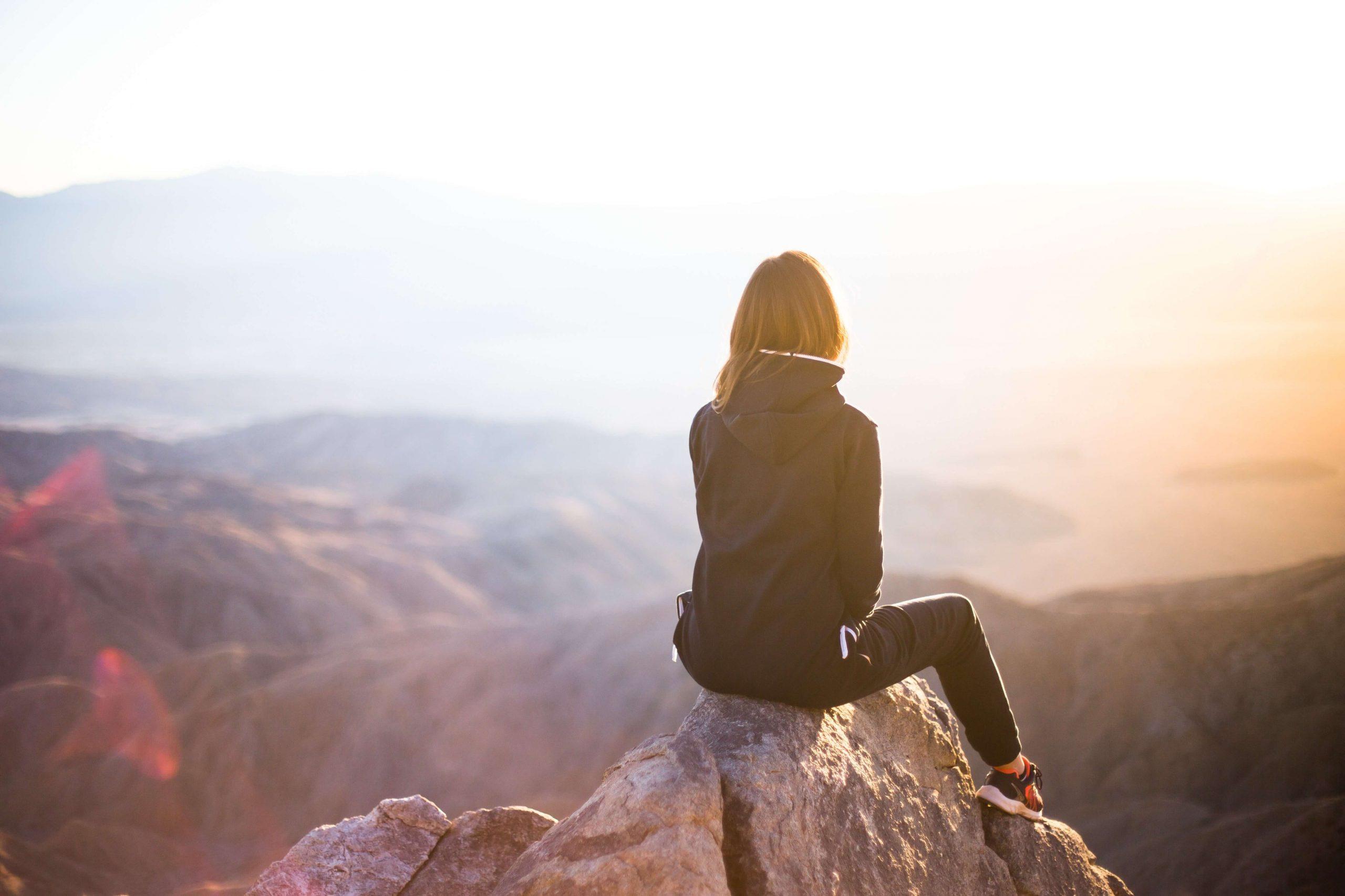 30 versículos da Bíblia para toda mulher que precisa de amor, confiança e força