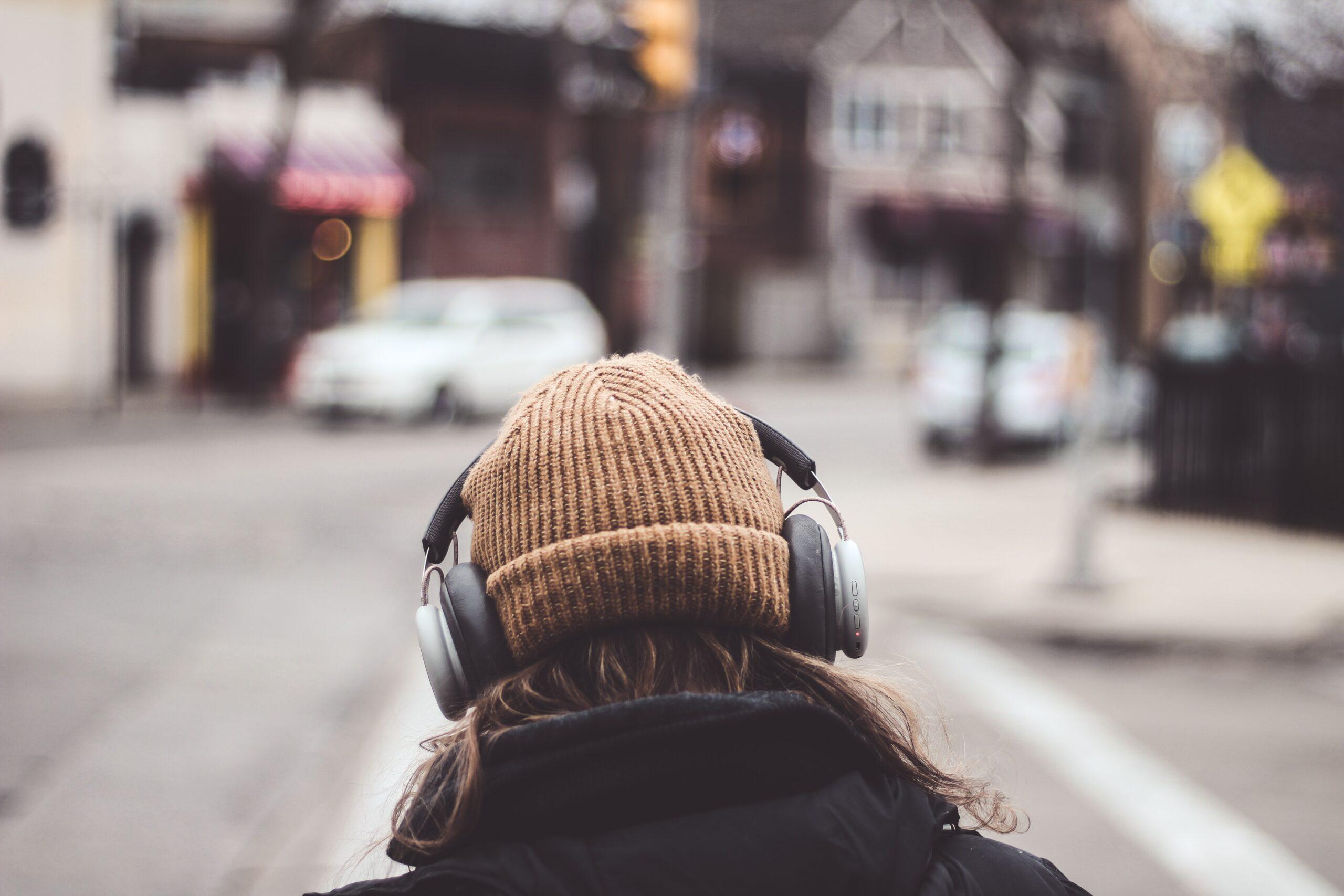 melhores-podcasts-sobre-política