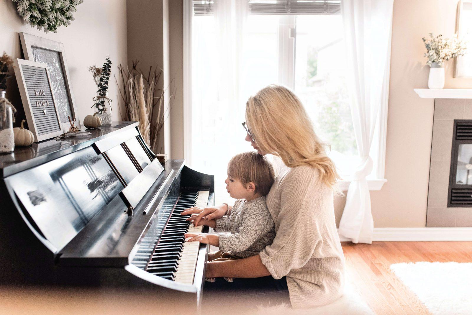 Crianças que tocam INSTRUMENTOS MUSICAIS têm melhor memória de trabalho, diz estudo