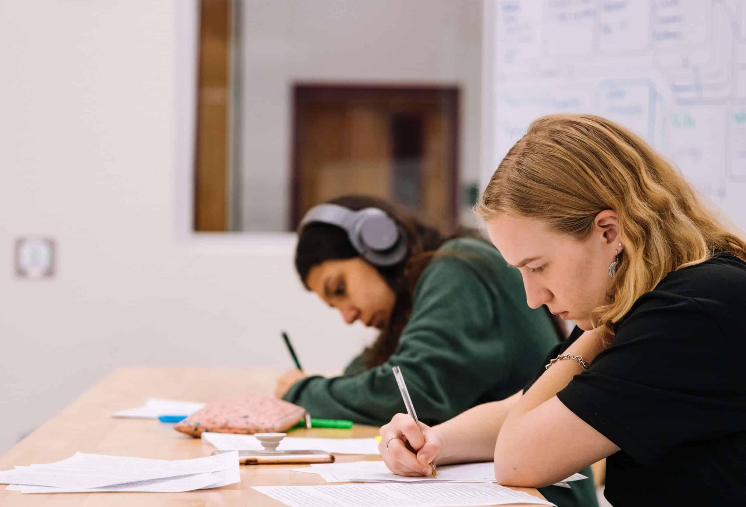 malefícios-celular-sala-de-aula