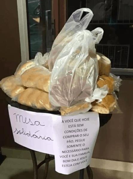 Padaria cria 'mesa solidária' e mobiliza comunidade para distribuir de pães de graça