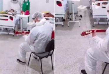 Enfermeiro alegra pacientes ao toca sua música de casamento para eles