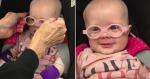 Bebê ganha óculos e tem reação adorável ao ver mãe com nitidez