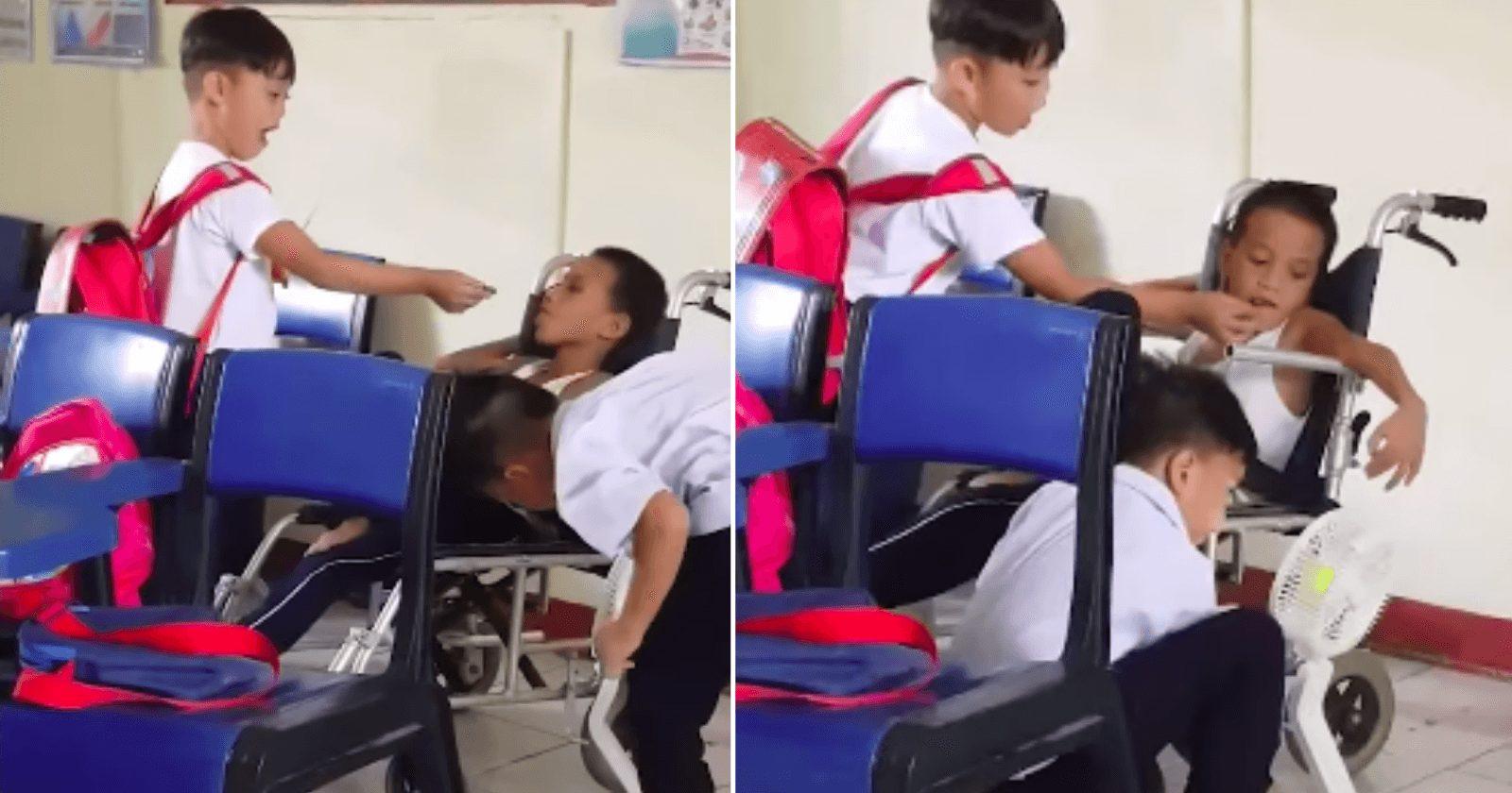 Meninos ajudam colega de classe com deficiência a lanchar